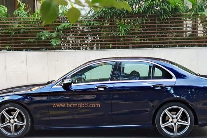 Luxurious Mercedes Benz Car Rental Agency in Kalabagan Dhaka